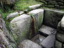 Aqueduc inca:même sans habitant,l'eau continue de couler depuis plus de 1,000 ans.