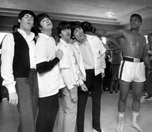 Les Beatles et Muhammad Ali en 1964.