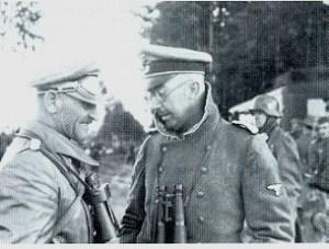 Heinrich Himmler en compagnie de Sepp Dietrich.