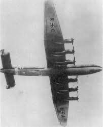 Le porteur accepté par la Luftwaffe fut le Junker 393.Seulement 2 prototypes eurent le temps de voler avant la défaite allemande.Il aurait été meilleur que le B-29.Sa saisie permettra d'améliorer le B-29,particulièrement la soute à bombe ...conçue pour une lourde bombe atomique.
