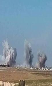 Intenses frappes aériennes sur les positions du groupe terroriste Daech autour de l'aéroport de Kweiress. Région est de Alep.