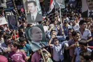 Près de 2 millions de gens ont acclamé récemment l'alliance entre le président russe ,Vladimir poutine et le président légitime de la Syrie,Bachar al Assad,à Damas.