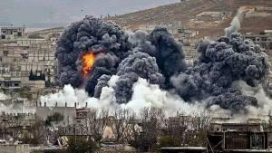 Frappes aériennes sur Raqca,capitale de l'État Islamique.
