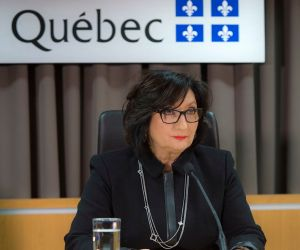 Mardi matin, la juge France Charbonneau a décrit les principales conclusions de son rapport fort attendu, pendant une vingtaine de minutes. Mais elle n'a répondu à aucune question pour défendre le travail de la Commission.