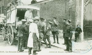 Carte postale  française Arrivée des blessés anglais