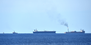 oil_tankers_at_sea