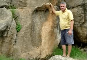 Une empreinte fossilisée dans la pierre...bien avant l'apparition de l'homme actuel.