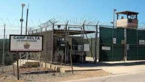 Prisonniers à haut risque libérés   Selon les mêmes dossiers fournis aux médias par WikiLeaks, alors que des innocents étaient emprisonnés sur la base d'informations douteuses à la suite des attentats du 11 septembre 2001, des dizaines de prisonniers à haut risque étaient libérés.