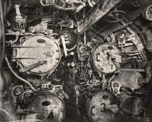 Intérieur:tubes lance torpilles à l'avant.