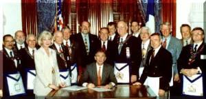 George W Bush bien entouré.