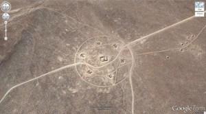 Bien que le cercle de culture ci-dessus n'ait pas de coordonnées cataloguées, on sait qu'il se trouve dans un endroit perdu au milieu du désert du Nevada.