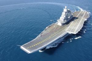 Admiral Gorshkov Conçue à l'origine par la Russie, ce porte-avions est à l'heure actuelle la possession de la marine indienne qui l'aurait acquis des russes. Il est équipé du dernier système de guerre électronique.
