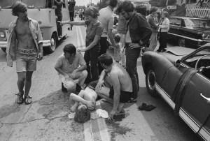 De nombreux accidents sont survenu durant le festival ,mais les ambulances ne pouvaient s'y rendre.