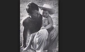 David, le troisième enfant de Robert F. Kennedy, était un personnage troublé, dont certains disent était tombé à la douleur de l'assassinat de son père bien-aimé. Juste deux jours avant l'événement tragique, David a failli se noyer tout en nageant dans l'océan Pacifique près de Malibu, en Californie et il a été sauvé par son père qui a plongé dans l'eau pour le sauver.