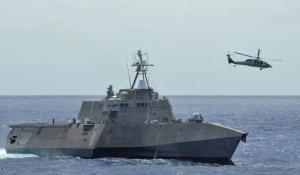 USS Independence (LCS 2) C' est un navire spécialisé dans la  défense anti-aérienne  de type 45. Le navire de guerre est très efficace contre tous les types de menace aérienne.
