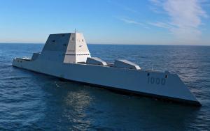 USS Zumwalt Nommé d'après l'amiral Zumwalt, il est l'un des derniers navires de guerre dans le monde. Son système de radar très supérieur excite les services d'espionnage  ennemis des États-Unis.C'est l'arme de technologie nouvelle la plus surveillée  par les services de renseignements militaires du monde,mais aussi le plus protégé par la police militaire US.
