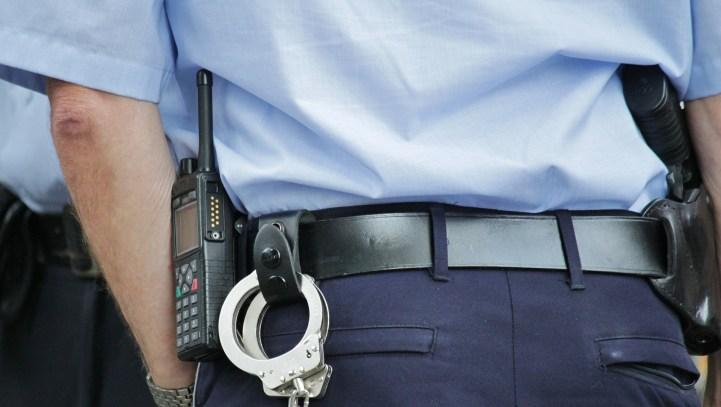 Bordeaux: gilet jaune,victime de 4 tirs de flasball, la police refuse de prendre sa plainte.