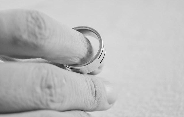 Divorce amiable sans juge: un divorce qui ne tient pas ses promesses