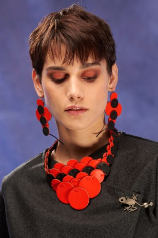 collier en cuir double face noir et couleur