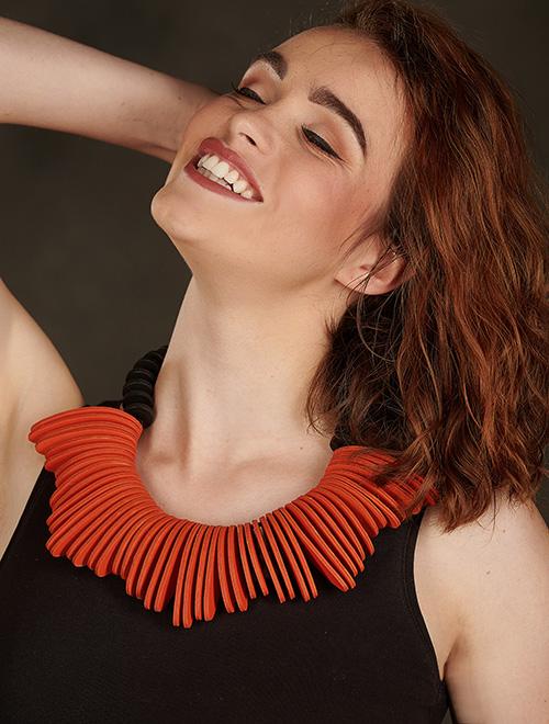 orange-collier-cuir-michèle-forest-design