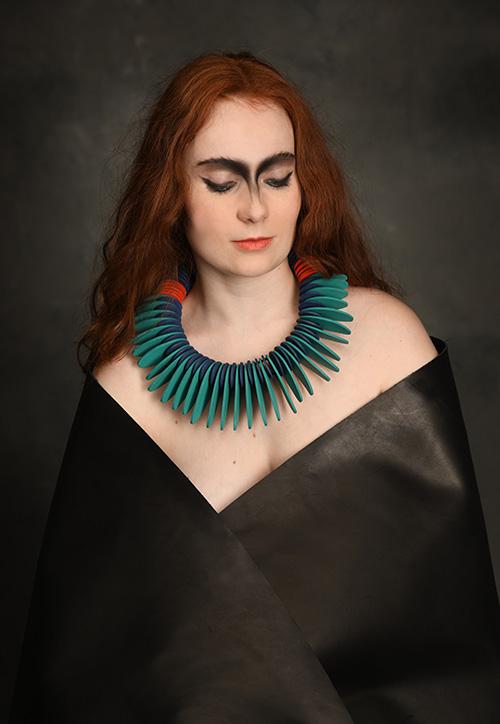 turquoise-noir-collier-cuir-design-michèle-forest
