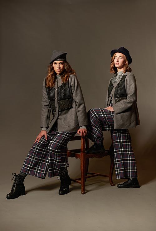 veste-laine-gris-broderie-métal-pantalon-écossais-mode-2021-hiver-michele-forest