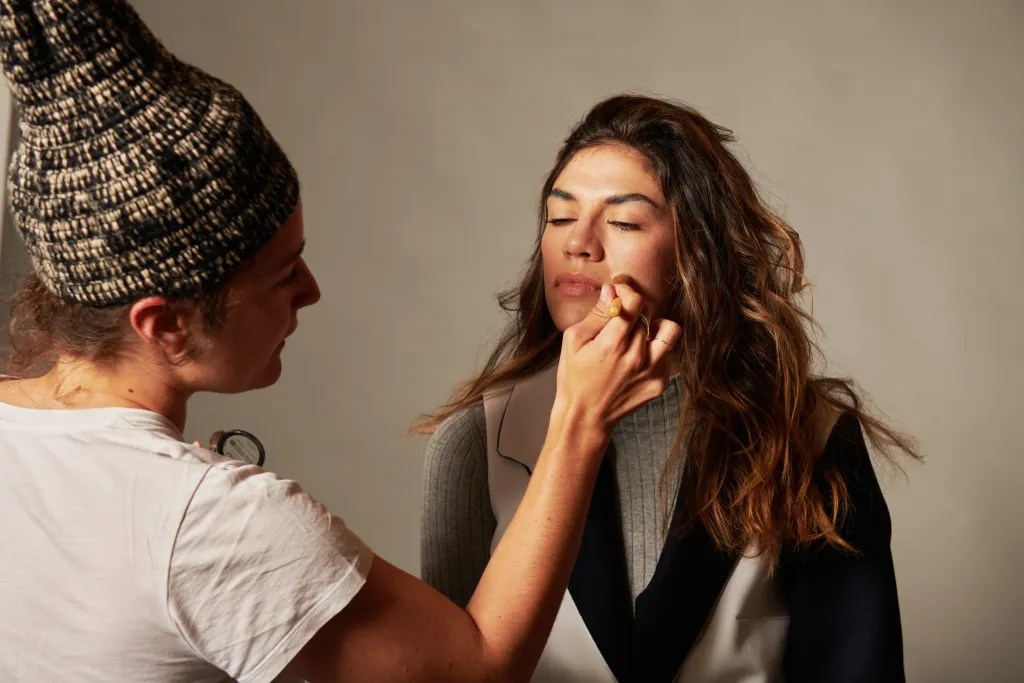photo-collection-hiver-2021-backstage-maquillage-michele-forest-design