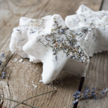 DIY Relaxation: Lavender Bath Bombs tutorial