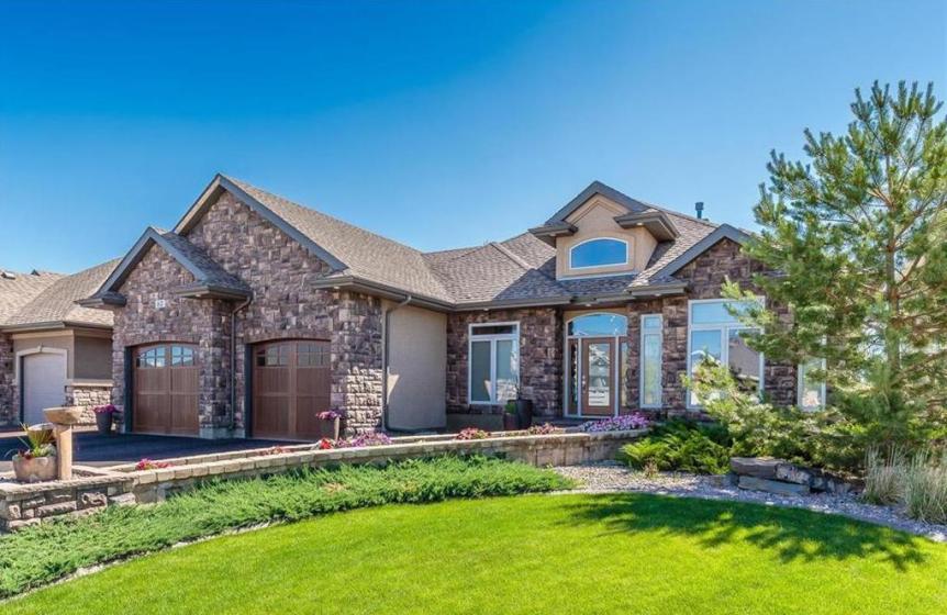 House for sale in Lakeridge