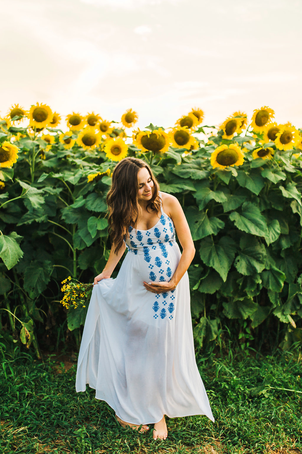 Sunflower-Maternity-Nashville-Tennessee-Field-Batey-Farms-5