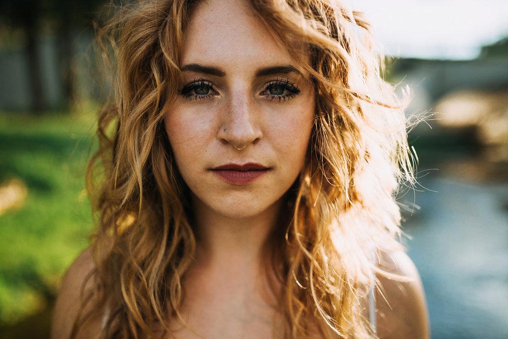 Camille-Joy-Music-Franklin-Tennessee-Photographer-Creek-Berry-Farms-Senior-Portraits-Water-19