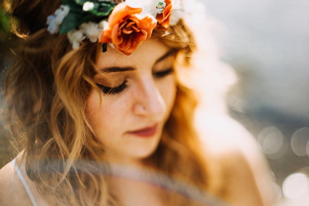 Camille-Joy-Music-Franklin-Tennessee-Photographer-Creek-Berry-Farms-Senior-Portraits-Water-2