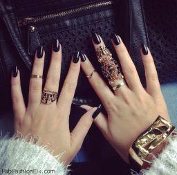 black-nails1[1]