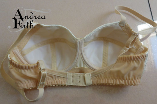Cream-bra3