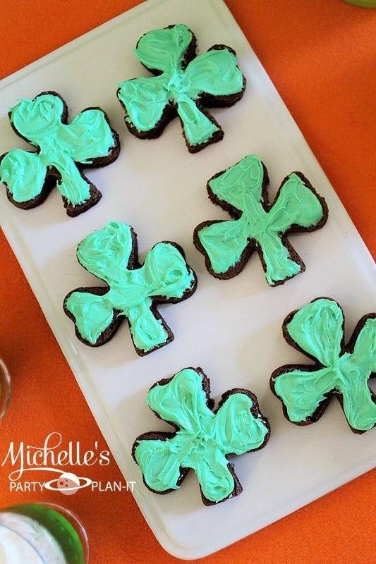 st_patricks_day_clover_brownies