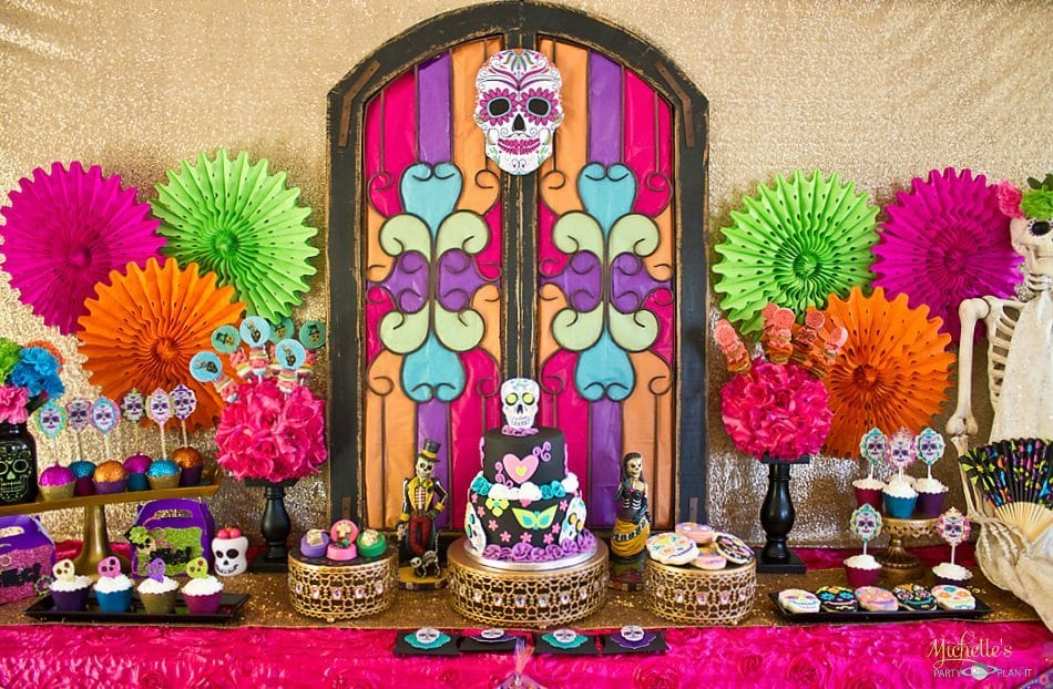 Day of the Dead party - Dia de los Muertos party table