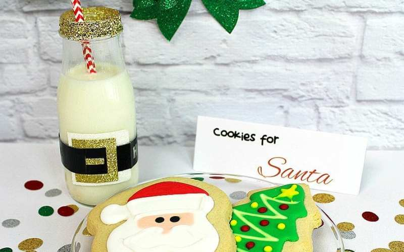 Santas milk and cookies