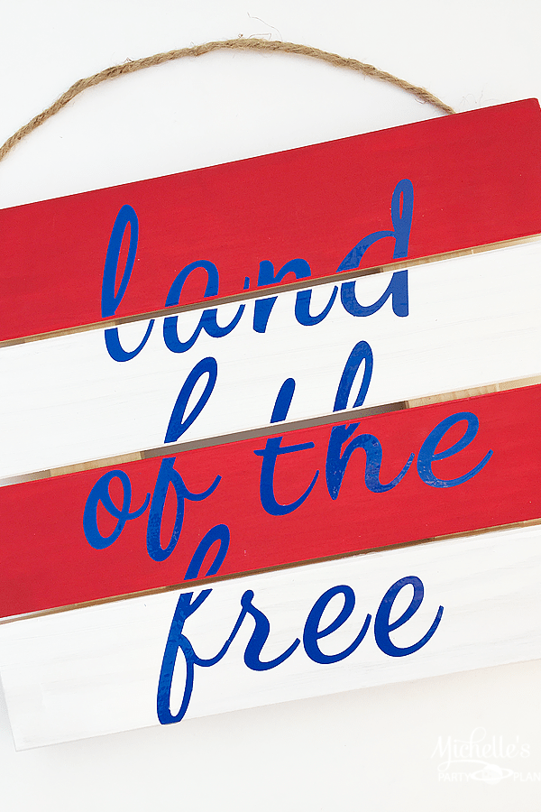 DIY Land of the Free Pallet Sign