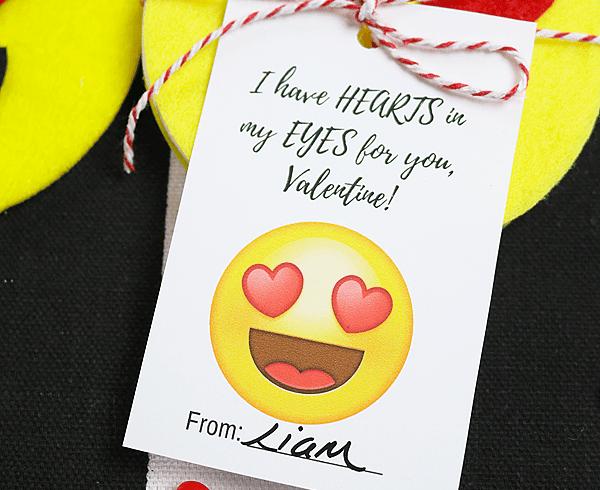 Free printable emoji valentines