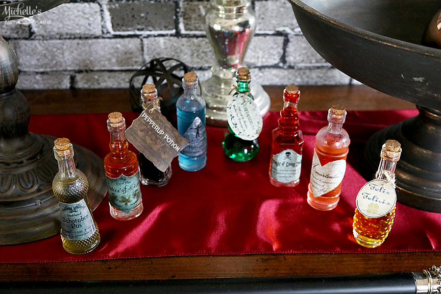 DIY Potion Bottles – Harry Potter Inspired Party Decor Ideas
