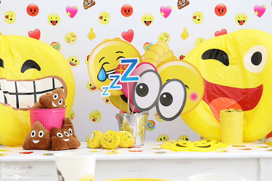 Emoji Pool Party Ideas - Activity Station