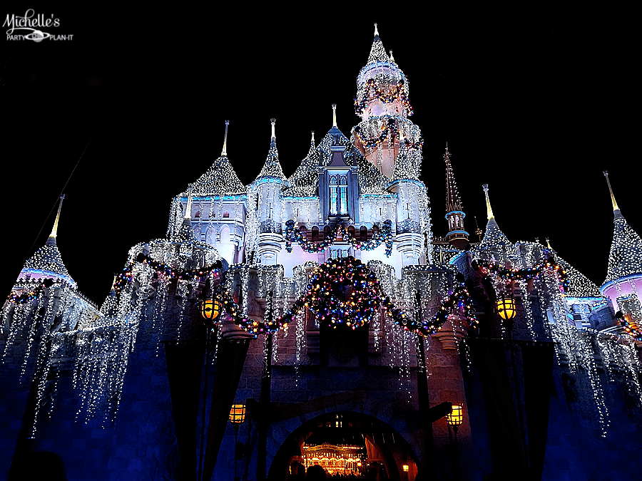Christmas at Disneyland 2017 – Top Reasons to Visit