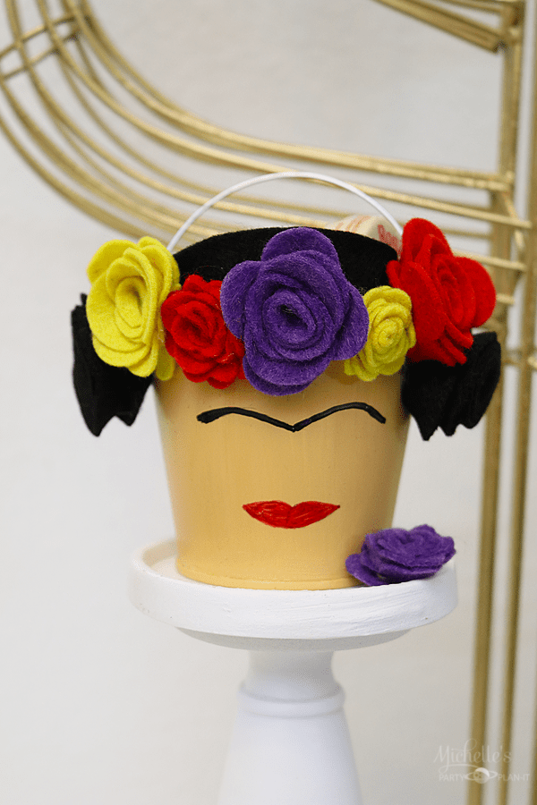 frida party favor