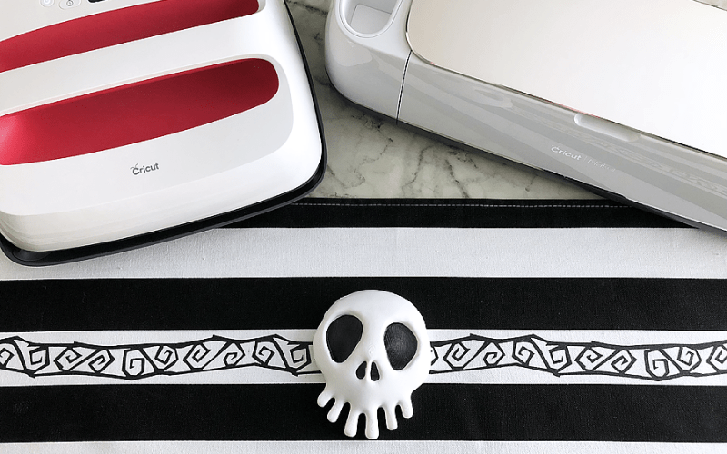 DIY Nightmare Before Christmas Table Runner with Cricut EasyPress 2