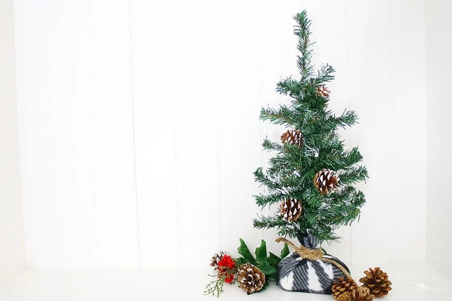 How to Make a Farmhouse Christmas Tree From a $1 Tree