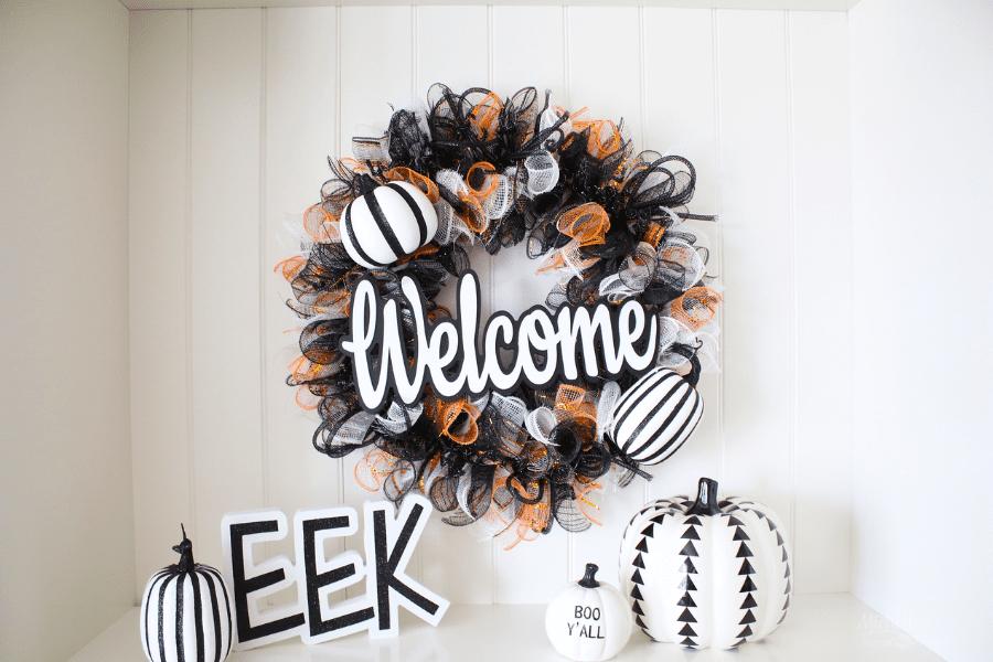 How to Make a Halloween Welcome Wreath
