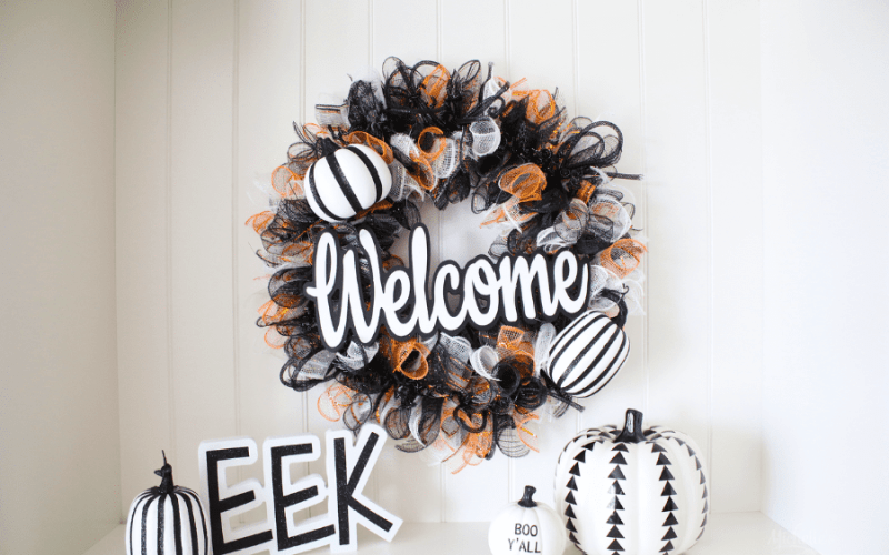 How to Make a Halloween Welcome Wreath