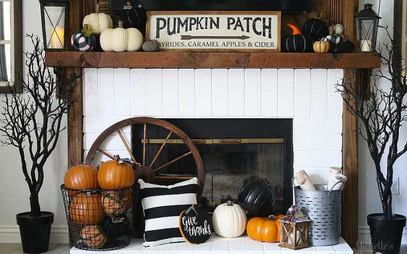 Last Minute Pumpkin Patch Thanksgiving Mantle Ideas