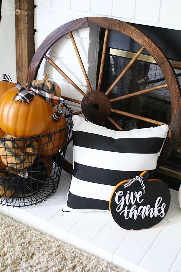 Fall thanksgiving mantle ideas - hearth