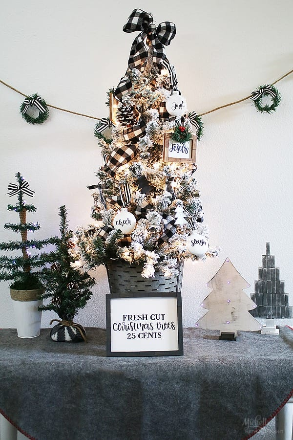 Tabletop Farmhouse Christmas Tree Ideas